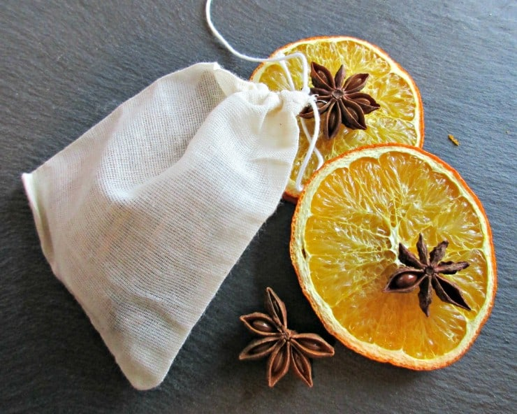 DIY Spice Bags make a lovely, thoughtful gift, and can be adapted to suit the taste of the recipient. Any edible, dry herbs, spices and flowers can be added; here we have gone for Warming Christmas flavours, but combinations such as Mint and Chamomile, or Rosehip and Orange are equally delightful. Post includes lovely apple juice recipe.