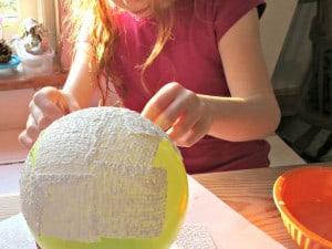 Modroc Christmas Bowl - apply wet strips to the balloon