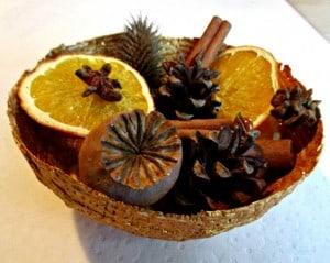 Modroc Christmas Bowls filled with Winter Pot Pourri