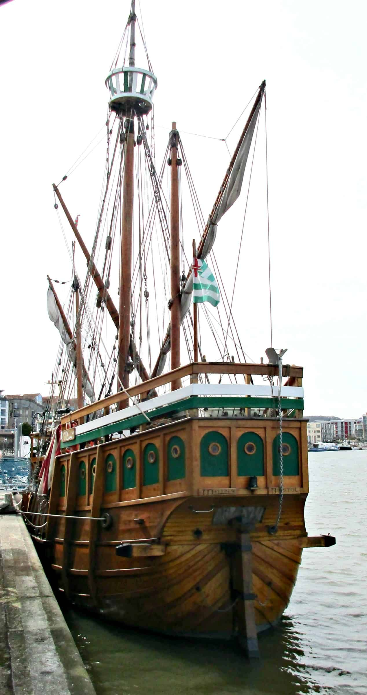 The Matthew is a replica of the Tudor Caravel sailed by the Italian explorer John Cabot, along with his 18 crew, from Bristol to North America in 1497 .