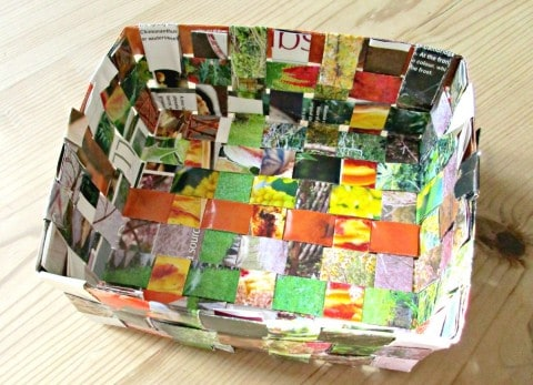 There are a few different ways you can make baskets out of recycled magazines, this basket weave design is probably the simplest and quickest, and I love the checkered pattern which it creates.