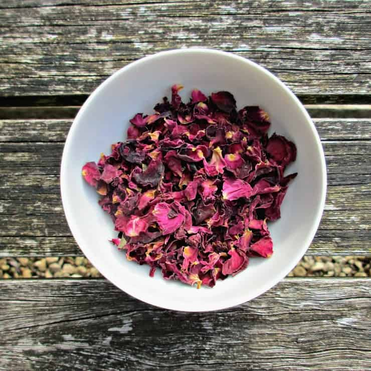 Why not try mixing your own, unique blend of skin benefiting botanicals! These herbs can be used in scrubs, bath fizzes, bath tea-bags and home-made soaps, all of which are super easy to produce, and make a fabulous and thoughtful home-made gift.