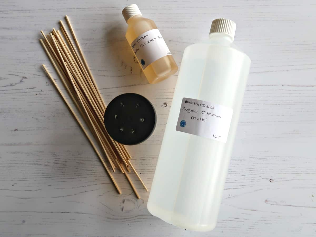Love Reed Diffusers but not the price? We test 3 homemade reed diffuser oil recipes to find out which works best, and if any of them are as good as the expensive ones you see in the shops. #essentialoils #homefragrance #reeddiffuser airfreshener #DIYReedDiffuser
