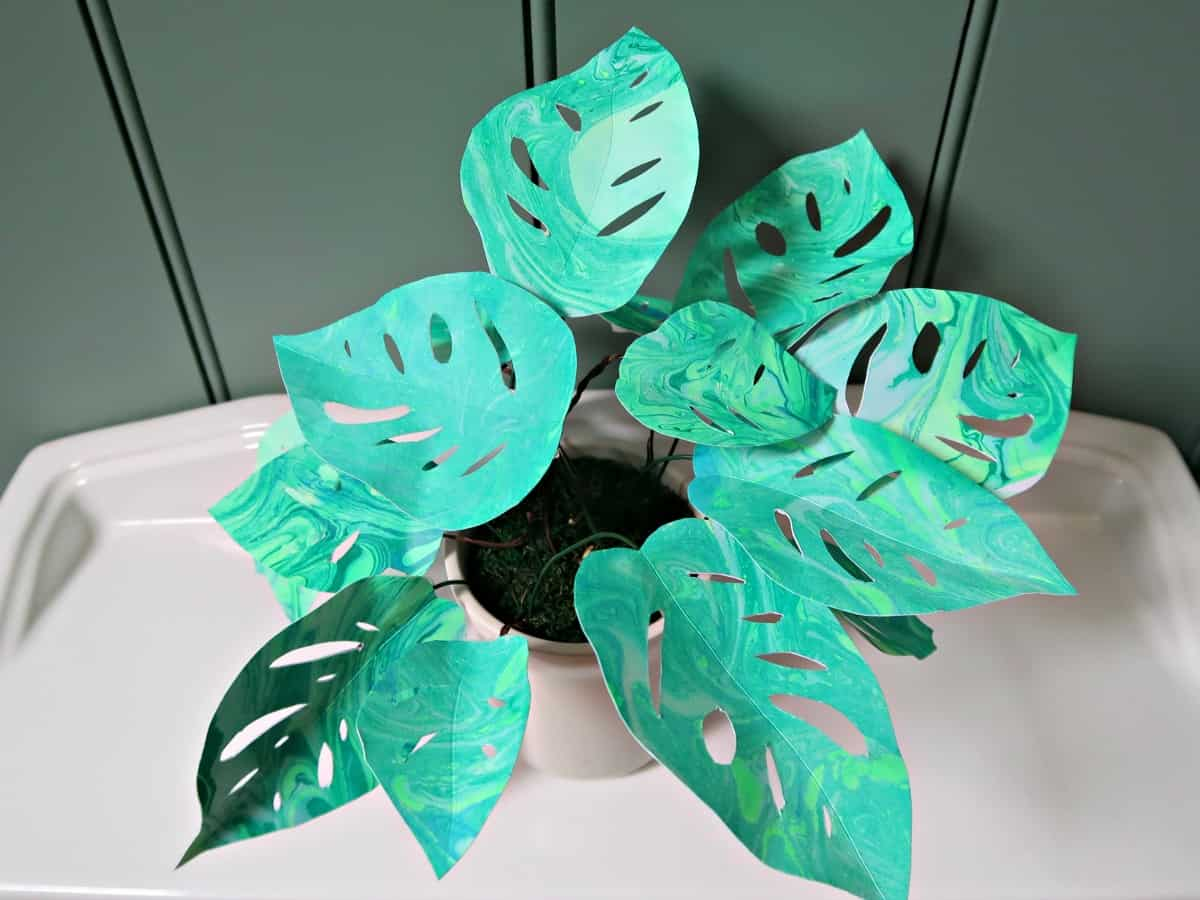 In this fun tutorial, I show you how to make a pretty paper plant with gorgeous, marbled leaves.