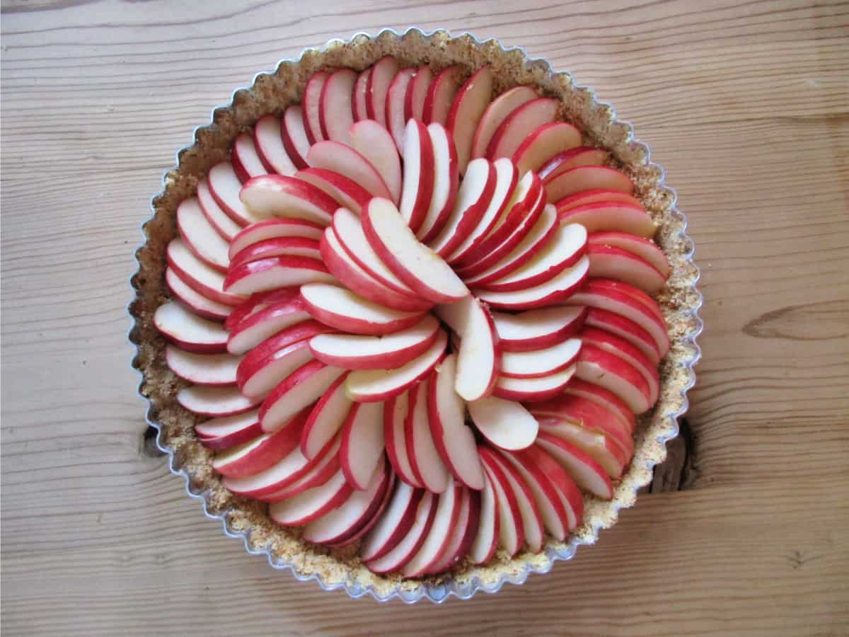 Amaretti Apple Tart is my go to dessert recipe when I want to impress. It looks great, is simple to make and tastes amazing.